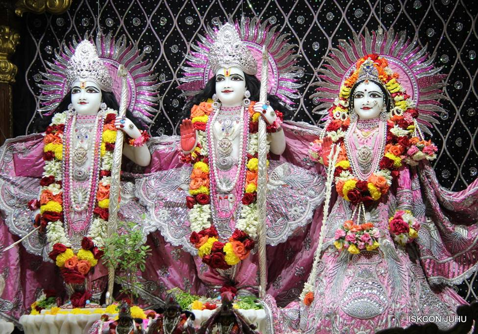 ISKCON Juhu Sringar Deity Darshan 05 Mar 2016 (14)