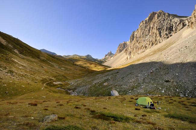 Traversée des Alpes, du lac Léman à la Méditerranée Gr5-mont-blanc-briancon-bivouac-vallon