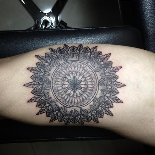 Tatuagem de Mandala ideias para homens e mulheres