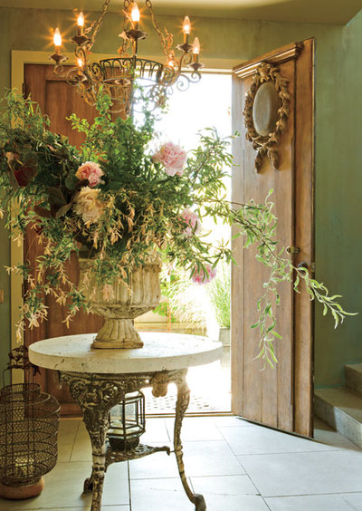 Home plans foyer fabulosity part ii for Foyer flower arrangement
