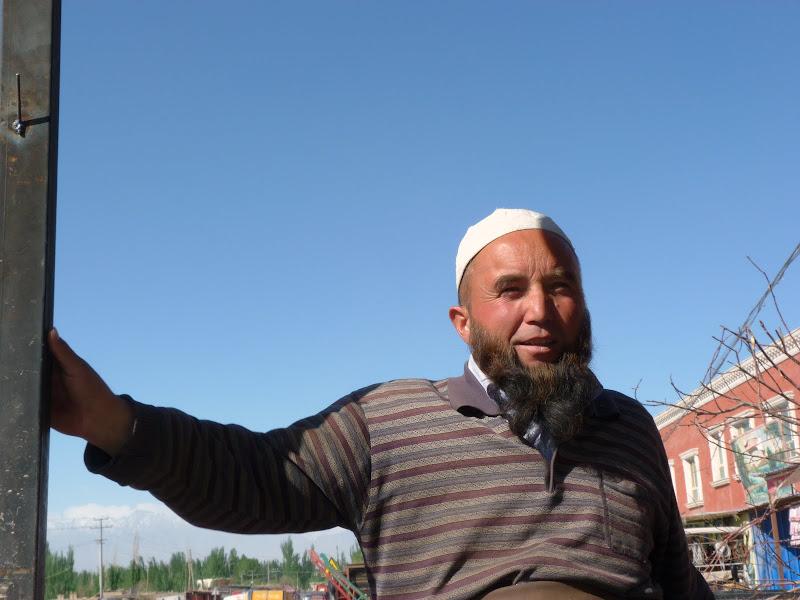 XINJIANG. Karakoram Highway, lune des plus haute route au monde, en passant a 4400 m - P1280448.JPG