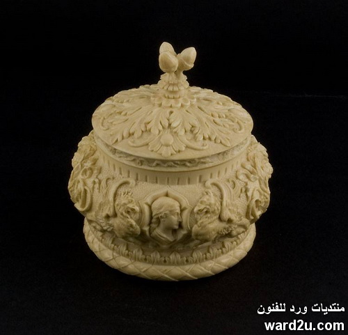 تحف  فنية نادرة نحت على العاج