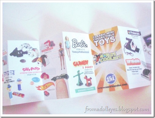 A quick peek at the catalog that comes insde the World's Smallest brand blind box.