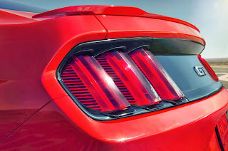 Ford-Mustang-GT-2015-09
