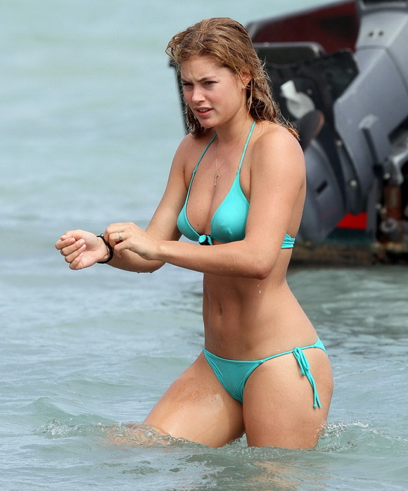 daily BEST:Doutzen Kroes Bikini Candids  #gossip:gossip,bikini girl,sex beach