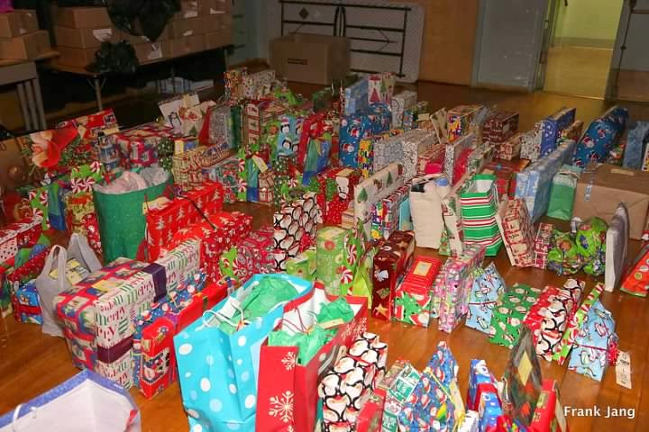 2012-12-16 CCDC Gift Giving - download%2B%25285%2529.jpg