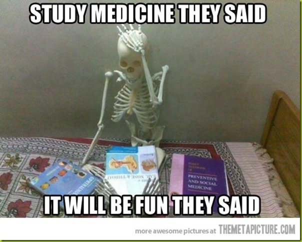 funny-skeleton-studying-books