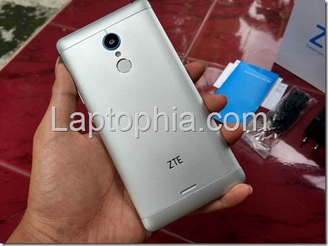 Desain ZTE Blade A711
