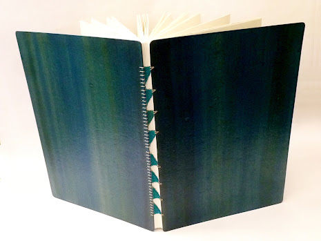 sketchbook-A4-canson-desenho-200-encadernacao-tecida