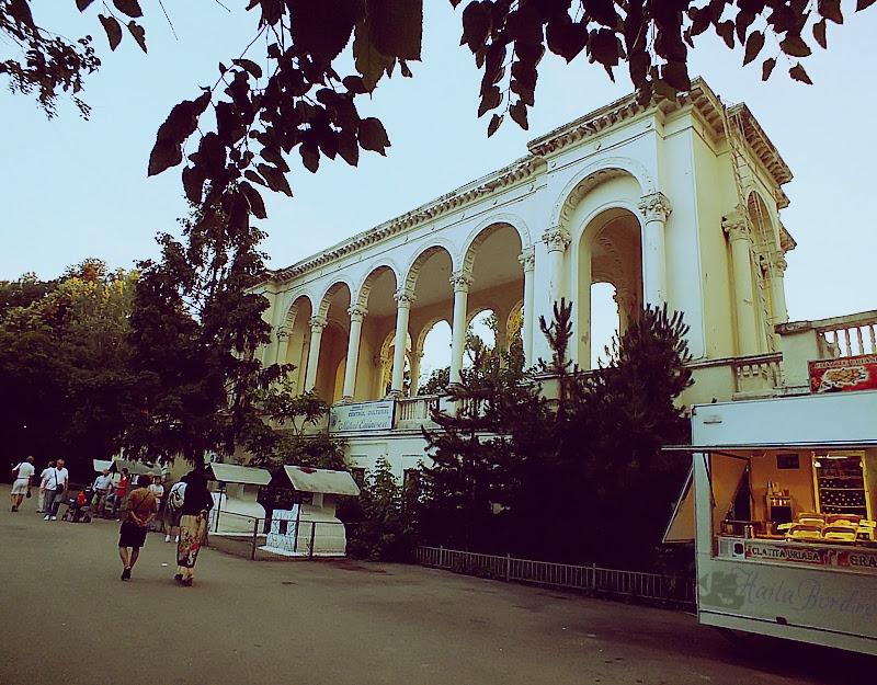 amfiteatru parc national bucuresti