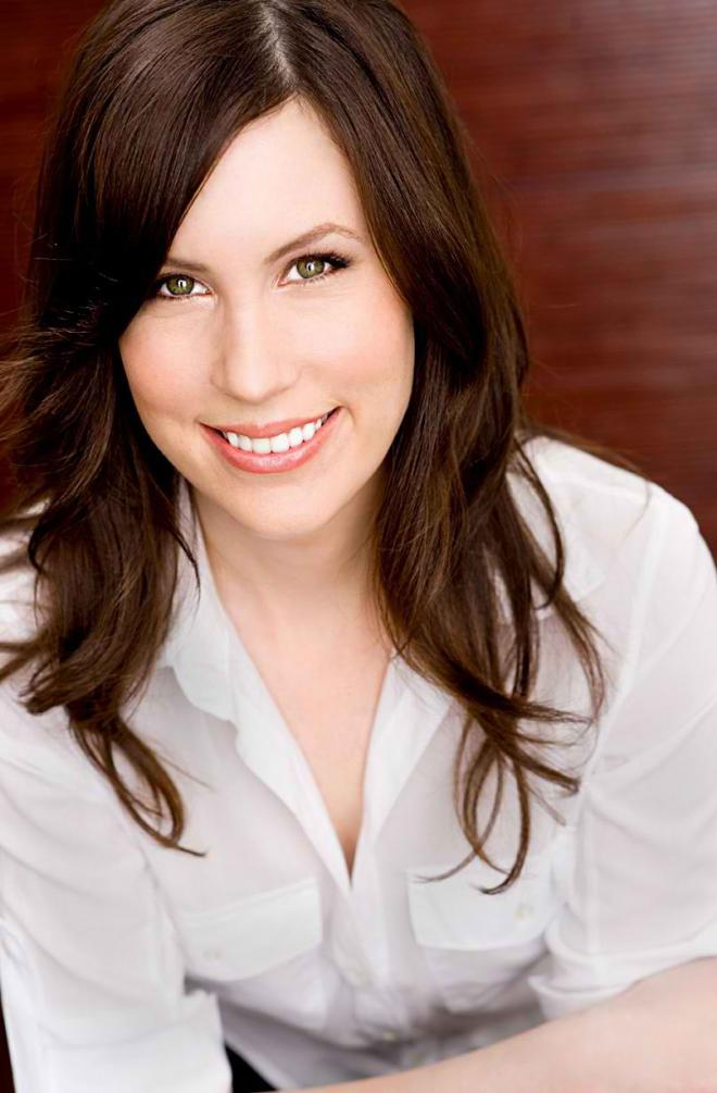 Tori Avey  Net Worth, Income, Salary, Earnings, Biography, How much money make?