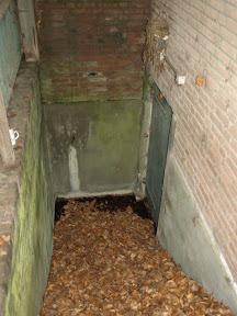 Zuidkamp gebouw Z31 - Kelder met verstevigde deur.