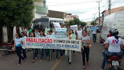Manifestação em Várzea Alegre . Professores e alunos dia 11 (2).jpg