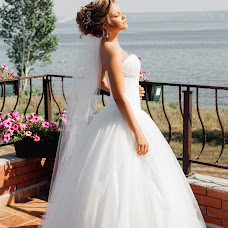 Wedding photographer Dinara Tazetdinova (DinaraT). Photo of 28.10.2016
