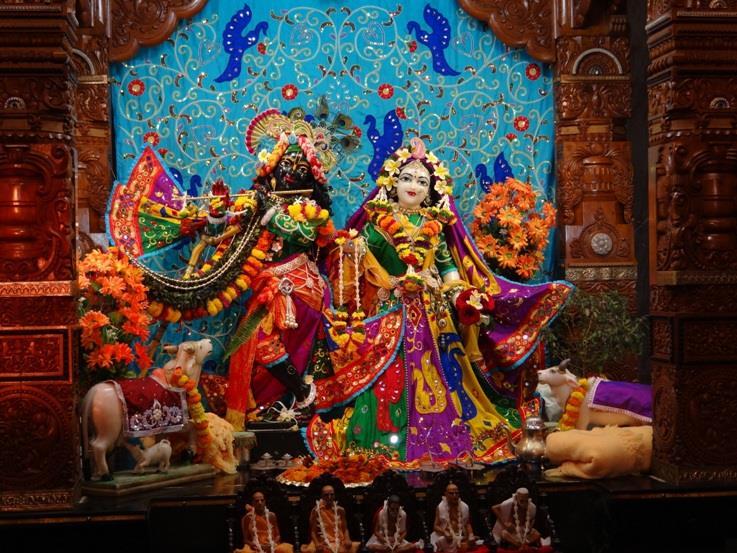 ISKCON Nigdi Deity Darshan 06 Jan 2016 (12)