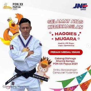 Hagies Mugara adalah salah satu karyawan dari Ksatria JNE Bogor