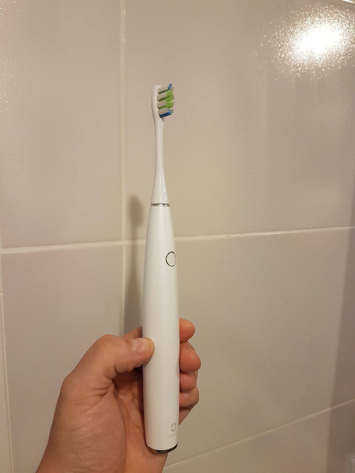Xiaomi Oclean One toothbrush in hand