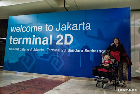 Dolecieliśmy do Dżakarty!