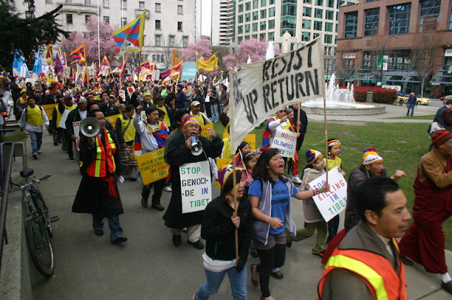 Global Protest in Vancouver BC/photo by Crazy Yak - IMG_0120.JPG
