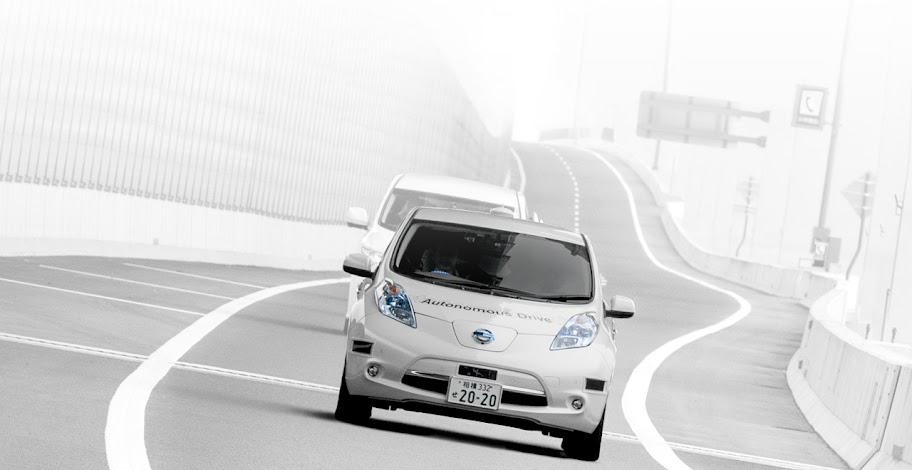 Nissan LEAF wyposażony w technologię AD (Autonomous Drive), autonomicznej jazdy. (źródło: Nissan)