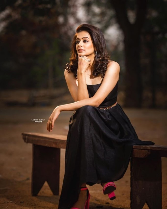 South Actress Priyamani Hot Black Gown