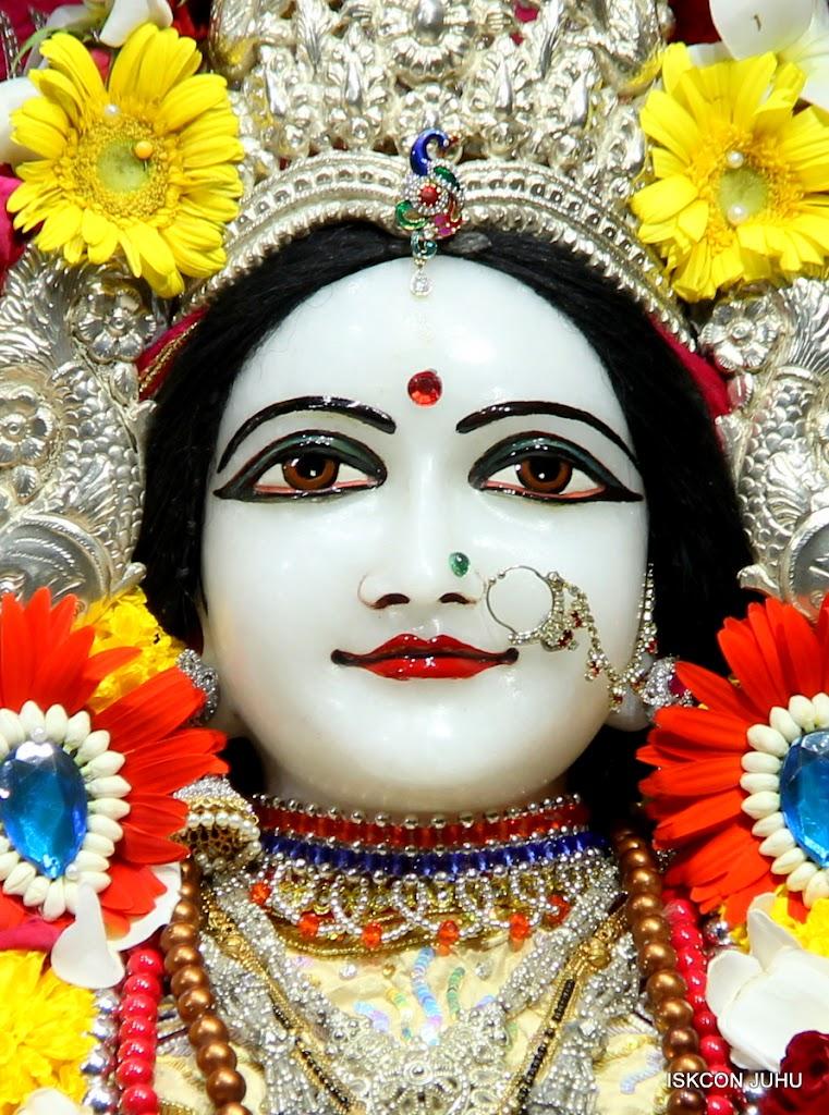 ISKCON Juhu Sringar Deity Darshan on 27th April 2016 (28)