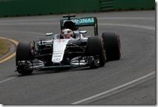 Lewis Hamilton conquista la pole del gran premio d'Australia 2016