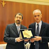 Montanaso , 14 dicembre 2013 in sala consiliare la Giornata Olimpica 2013 . premi . nella foto premio a Giancarlo Carmagnola , consegna Marco Bottini