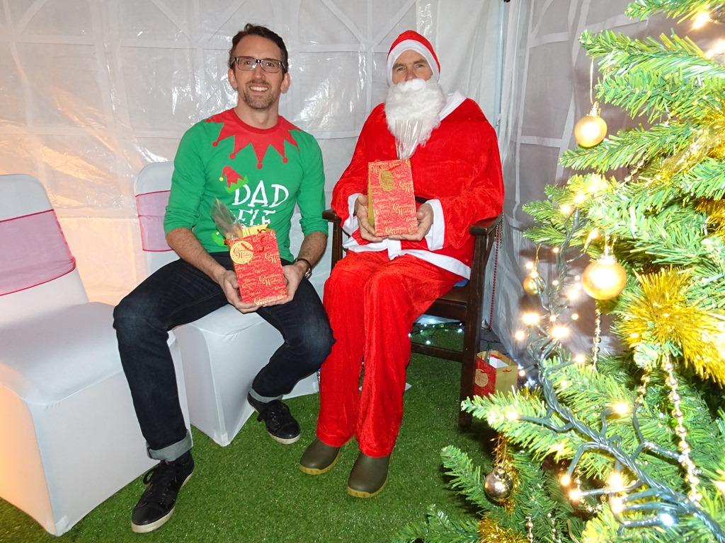 [Grotto+-+Santa+Claus+and+Elf+helper%5B3%5D]