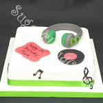 DJ cake 3.jpg