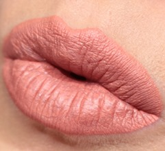 SoftlyRockinRetroMatteLiquidLipcolourMAC15