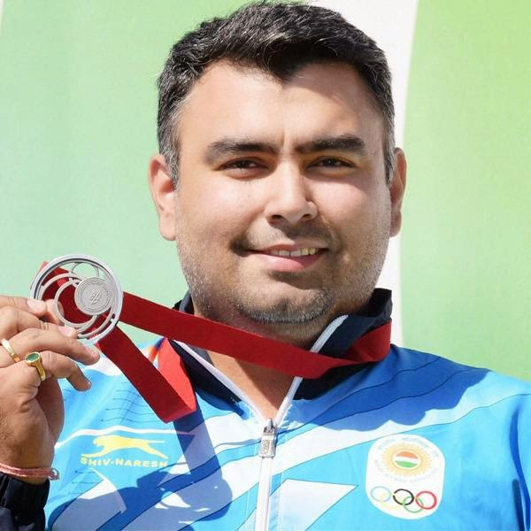 Indian shooters continued to bring home more medals as Gagan Narang won the country's third medal on Monday clinching the men's 50-metre rifle prone silver at the Commonwealth Games.