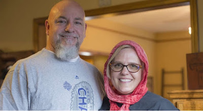 Baptist Woman Wearing Muslim Hijab to Show Solidarity
