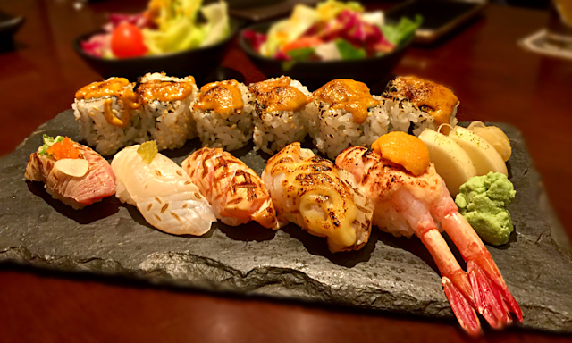 Tatsu Sushi and Teppanyaki at Asia Sq 2 - Serving good quality Sushi!