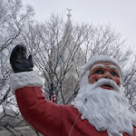 Leah_Angstman-Santa_in_front_of_the_Ingham_County_Courthouse%3b_Ma.jpg