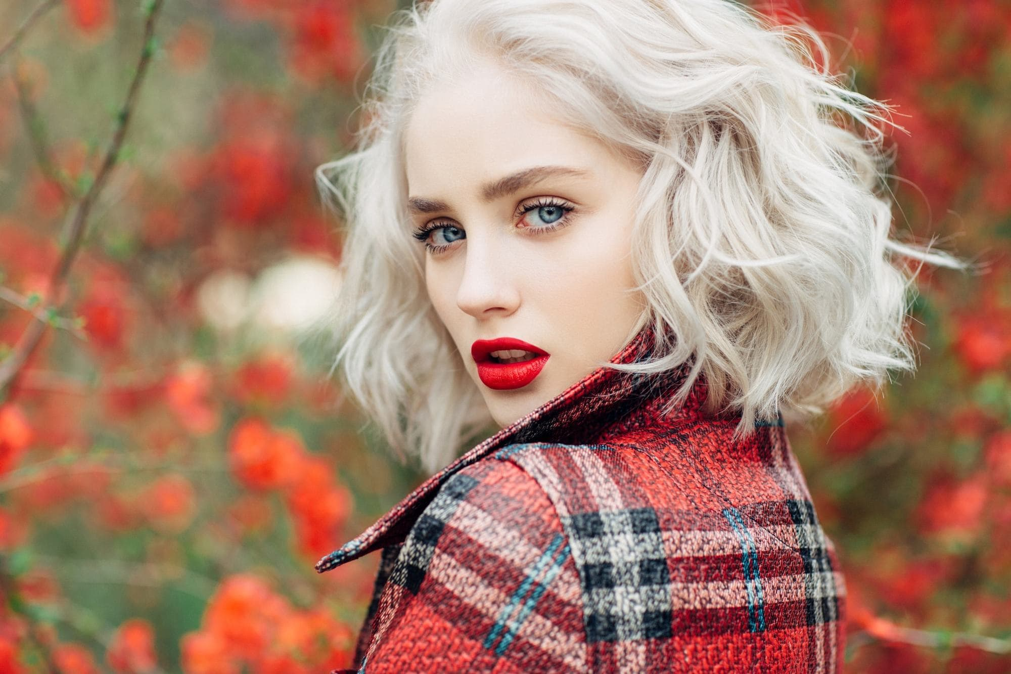 2018 Blonde Curly Hair : Exclusive Styles For Beautiful Womans 13