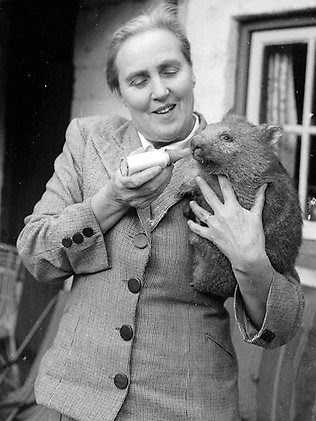 Nan Chauncy in 1959, feeding an orphaned wombat.