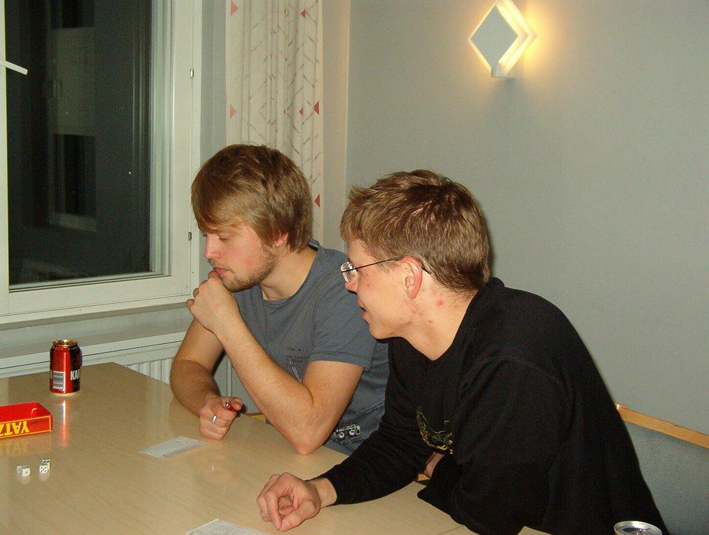 Peli-ilta syksy 2008 - IM002831.JPG