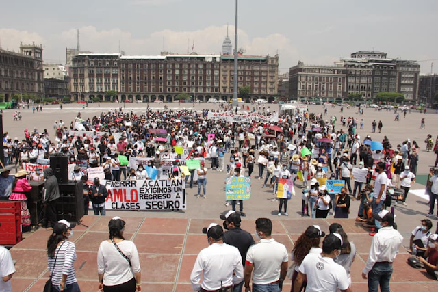 Estudiantes exigen vacunación en todo el país.