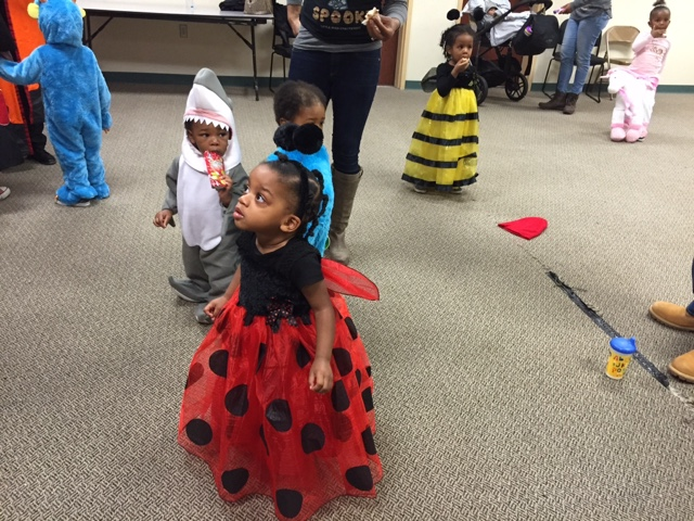 Halloween Fun TheDailyAprilNAva Atlanta Georgia ladybug costume top atlanta georgia black mom mommy motherhood blogger