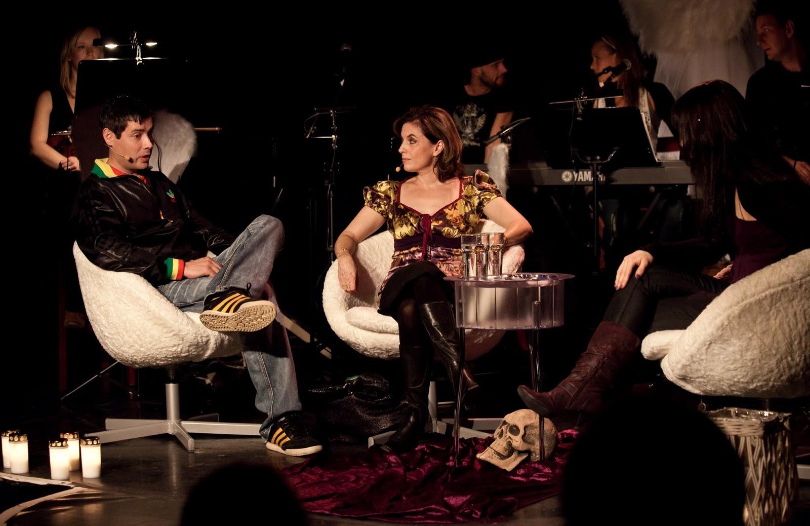 """Ari Dahlber ja Anna-Leena Härkönen """"Kuoleman kyydissä"""" 11.10.2009"""
