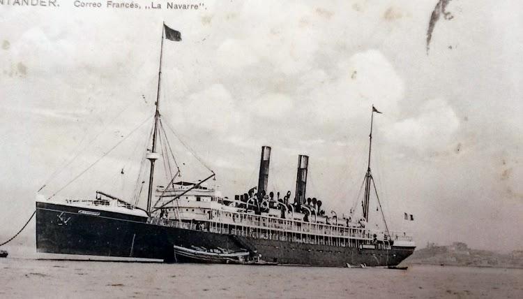 LA NAVARRE aprovisionandose en Santander. Colección Arturo Paniagua.jpg