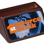 5751_BizCrdHldr_Bank.jpg