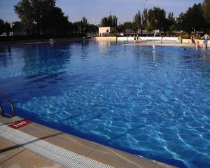El soto piscina del polideportivo el soto for Piscinas soto
