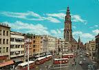 Groningen. Martini toren met voor de toren Amsterdam - Rotterdam Bank en rechts oker gele gebouw  Nationale Levensverzekering bank. Kaart is 10.50 x 14.50. Geribbelde kaart.  Gelopen gestempeld in 1974.