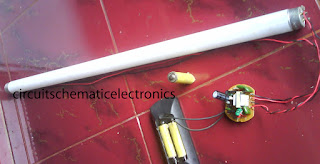 3V Fluorescent lamp voltage source