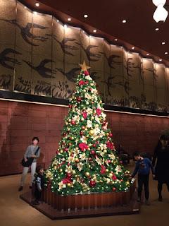 ホテルオークラ別館のクリスマスツリー マジシャンえいち