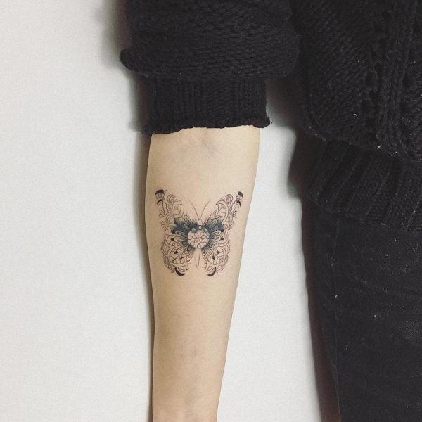 este_efeito_negativo_tatuagem_de_borboleta