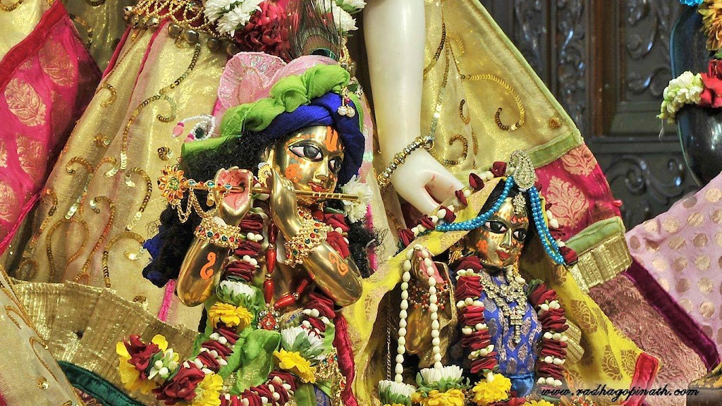 ISKCON Chowpatty Deity Darshan 14 Dec 2015 (22)