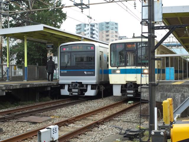 中央林間駅に止まってる小田急江ノ島線